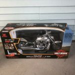 NEW BRIGHT 9.6 V R/C HARLEY DAVIDSON V ROD MOTORCYCLE New Box Silver